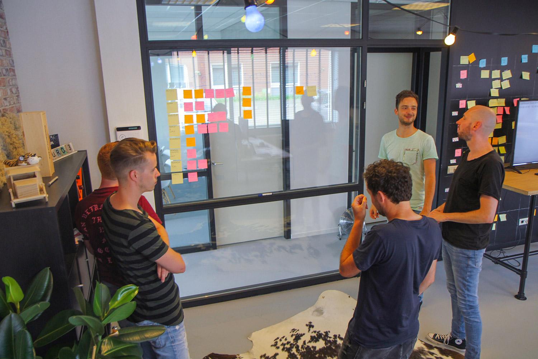 Overleg Hackathon Buro 3